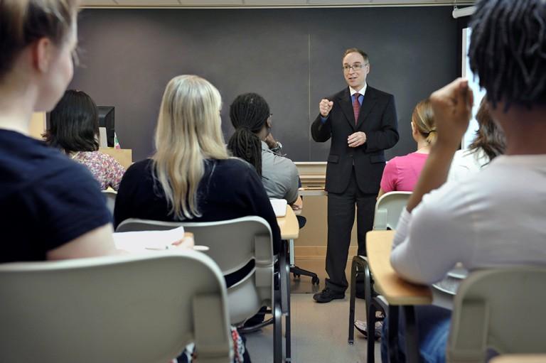 Dr. Zvi Gellis teaches a class
