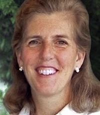 Headshot of Stephanie Hoopes